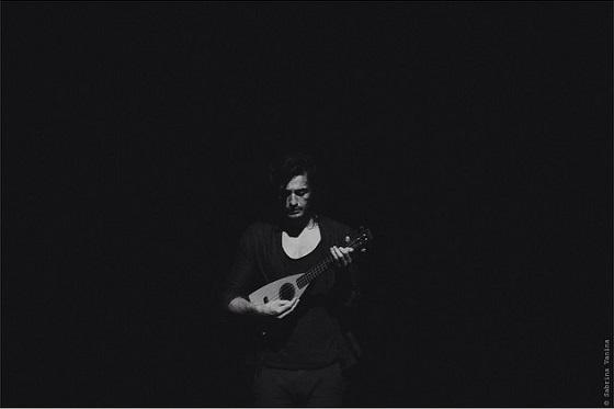 Tiago Iorc no Theatro NET SP / Foto por Sabrina Vanina (reprodução Instagram)